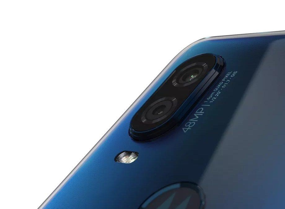 Motorola One Vision Brings 48-megapixel, 21:9 screen and looks less like