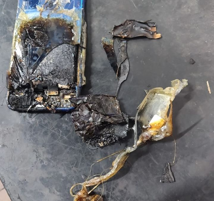 Redmi Note 7S Burns Due to Battery Damage by External Forces: Case